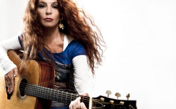 Teresa De Sio canta per Pino Daniele: l'omaggio